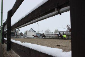 Außenviereck im Schnee